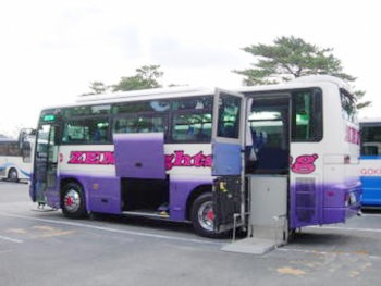 リフト付き福祉観光バス2